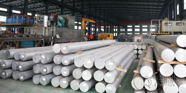 铝型材加工车间