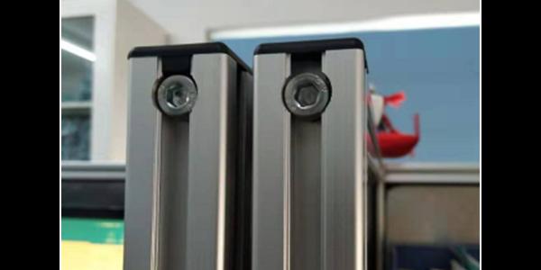 铝型材框架为什么喜欢用螺栓连接?